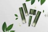 참존, 수분 충전 넘어 안티에이징까지 더한 '참존 제주 첫 잎 녹차 라인' 사전 판매